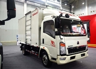 China Light Duty Commercial Trucks / Delivery 17 Foot Box Truck With Low Fuel Consumption factory