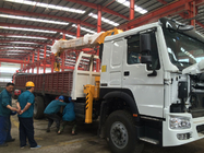China Telescopic Boom Truck Mounted Crane / 12 Tons Cargo Mounting Crane ZZ1257M4341W factory