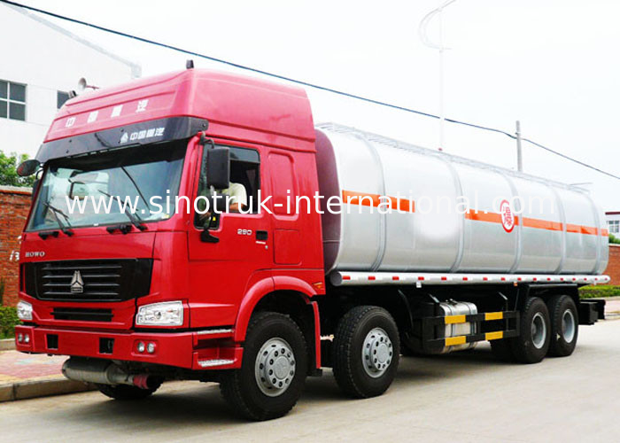 8X4 LHD Euro2 336HP Oil Tank Truck , 30CBM Crude Oil Transportation Trucks