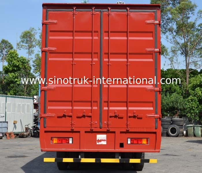 SINOTRUK HOWO Cargo Truck , Van Truck  25 Tons 6X2 LHD Euro2 290HP for Logistics