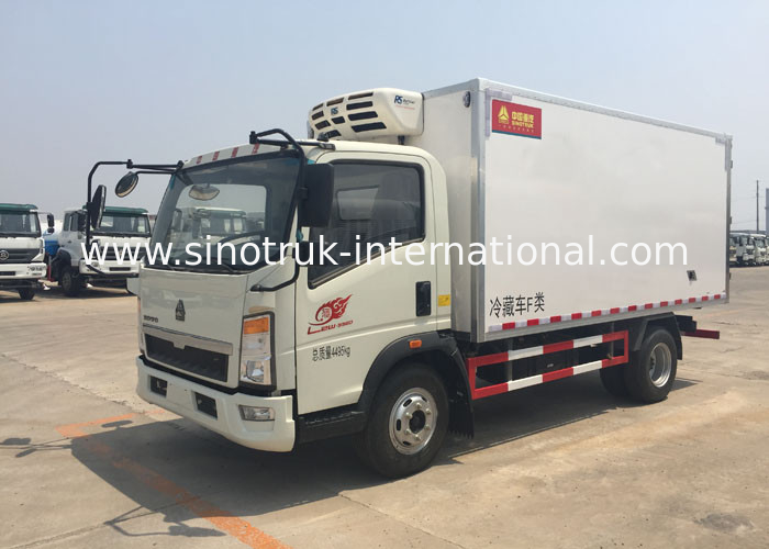 Euro 2 5 Ton Refrigerated Truck For Frozen Foods Transporting XL-300  -18 Degree