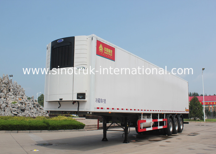 SINOTRUK Refrigerated Semi Trailer Truck 20 / 40 Feet Container 30 - 60 Tons