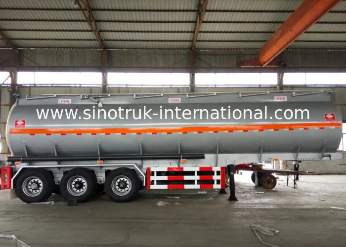 60 CBM Oil Tank Truck 3 Axles Semi Flatbed Trailers For Oil Fuel Transport