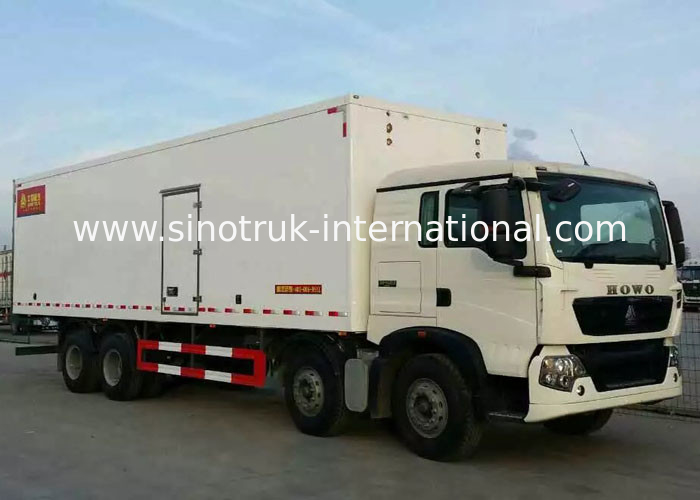 Frozen Foods LHD 8×4 Refrigerated Delivery Truck 40 Ton Low Energy Consumption
