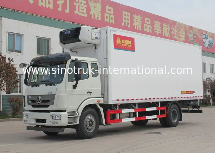 SINOTRUK HOHAN Professional Refrigerated Truck 16 Tons 20 - 25CBM Euro 2 266HP 4X2