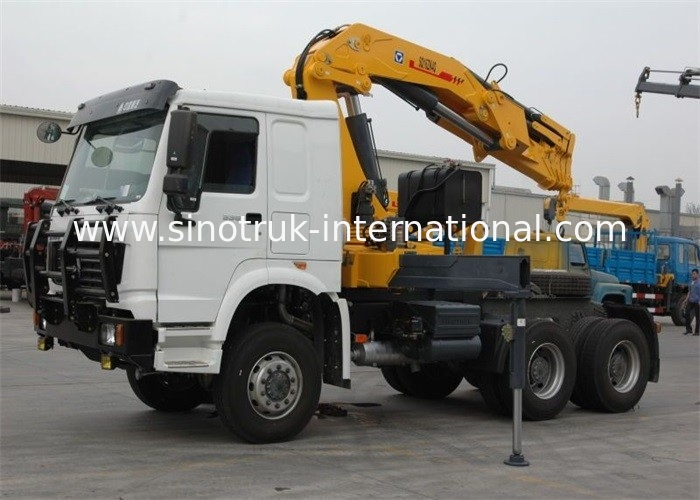 SINOTRUK Tractor Truck Mounted Hydraulic Crane 6X4 LHD 336HP XCMG 12 Tons Crane