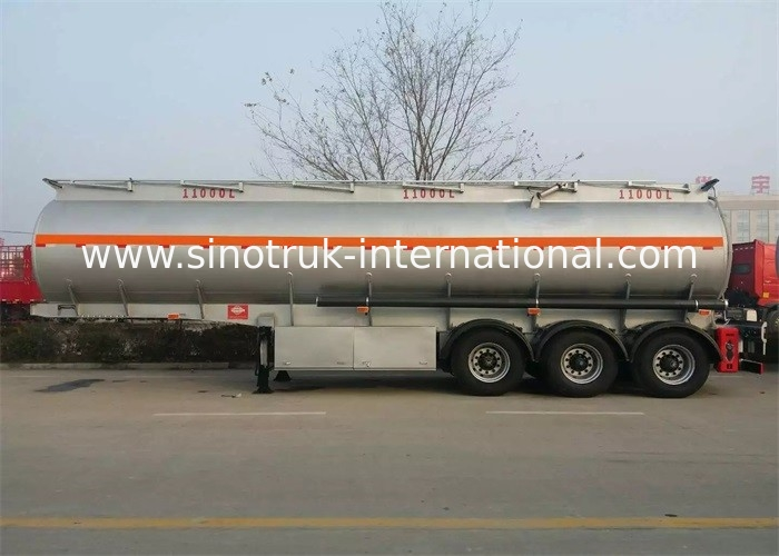 CIMC Tri - Axle Fuel Tanker Truck Semi Trailer 50 - 80 Tons For Carrying Oil