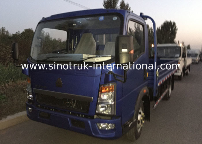3 Tons SINOTRUK HOWO RHD 85HP Light Truck ZZ1047C3414C1R45