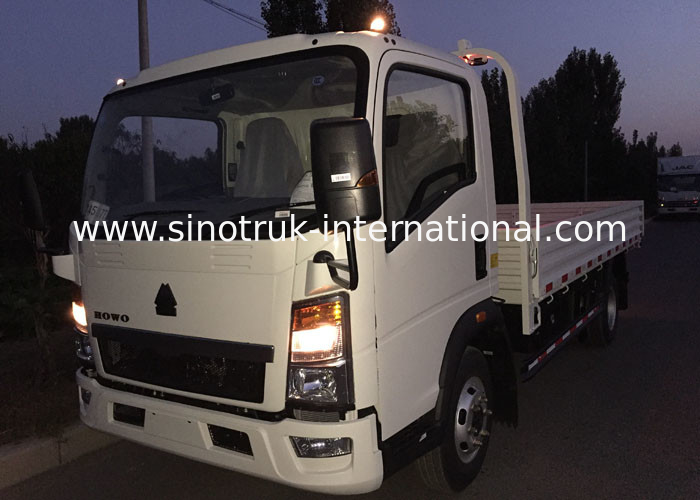 3-5 Tons HOWO Light Truck ZZ1047C3414C1R45 White Light Duty Commercial Trucks