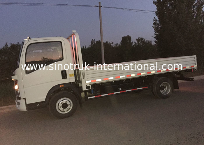 HOWO Light Duty Trucks 3-5 Tons , Construction Site Trucks ZZ1047D3414C145
