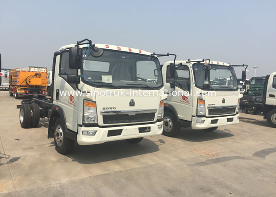 China 12 Tons HOWO Light Duty Commercial Trucks White Color 116HP Engine 4×2 Drive factory
