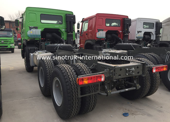 Capacity 25 - 40 Tons Cargo Truck Chassis SINOTRUK HOWO ZZ1257N4641W TR691 Tyre