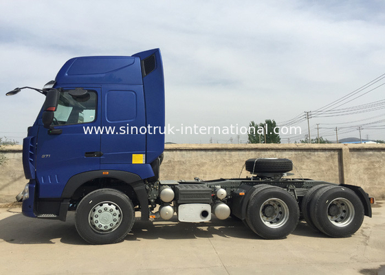 China Diesel Towing Tractor Truck , Semi Tractor Trailer For Cargo Luggage Airport factory