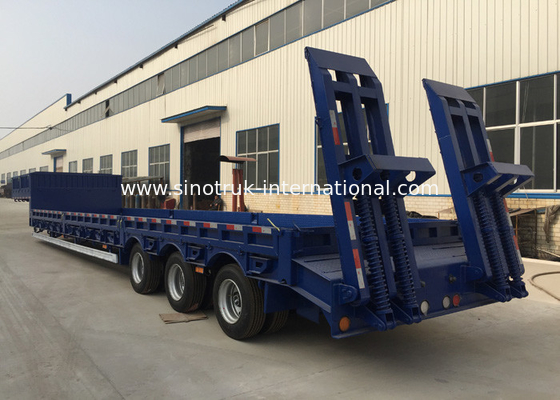 China 3 Axles 80 Tons 17m Hydraulic Flatbed Trailer For Loading Construction Machines factory