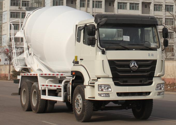 High Efficiency Hydraulic Pump Cement Mixer Truck For Construction Site