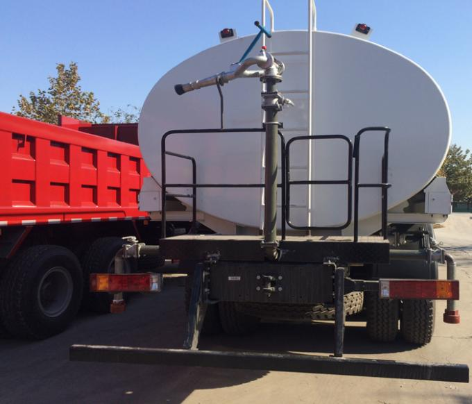 Stainless Steel Water Sprinkling Truck SINOTRUK 18CBM For Pesticide Spraying