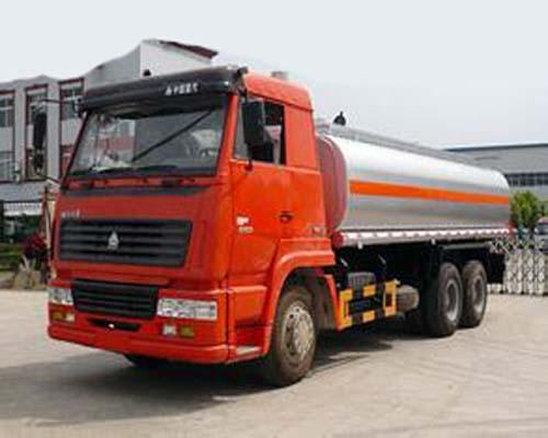 6X4 LHD Euro 2 290 HP 16-20 CBM Chemical Tanker Truck For Gas / Oil
