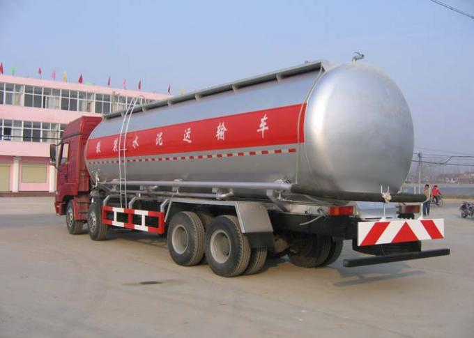 Iron Powder Bulk Cement Truck / Dry Bulk Truck / Cement Delivery Truck