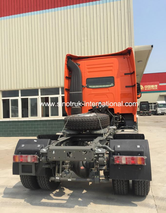 Strong Engine Euro 2 International Tractor Trailer For 30 -40 Tons Traction Capacity