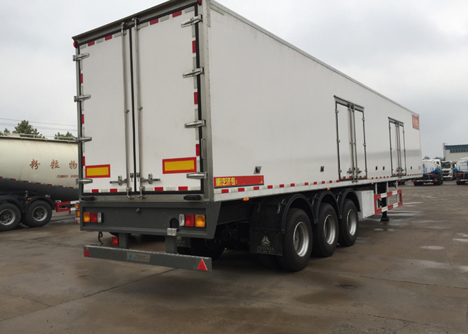 Semi Flatbed Trailers Refrigerated Transport Vehicle Carbon Steel / Mn Steel Material
