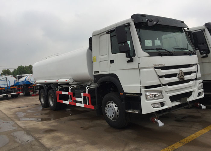 Green Water Carrying Water Tanker Truck LHD 6X4 15 - 25CBM Drinking Water Truck