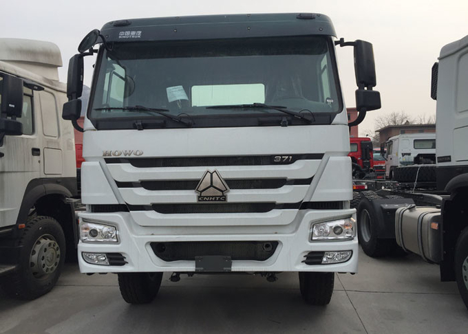 SINOTRUK HOWO Cargo Truck Euro 2 LHD 6X4 336HP HW76 Cabin For Transport