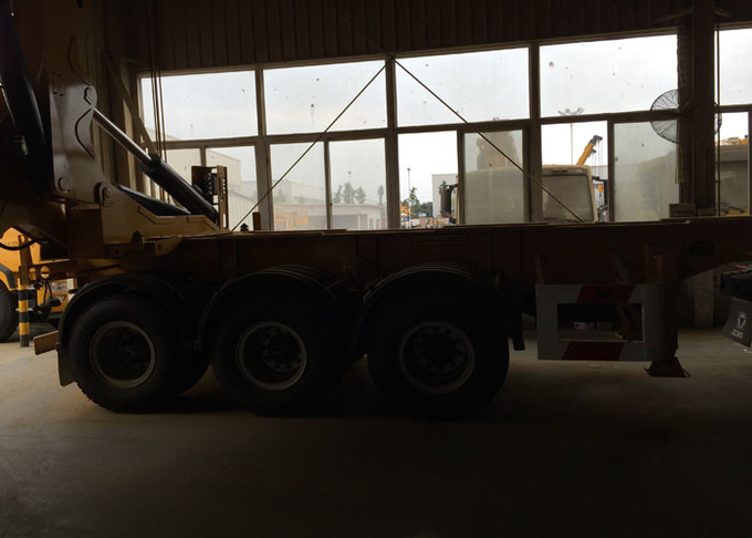 3 Axles Semi Trailer Container Side Loader For Lifting 20ft / 40ft Container