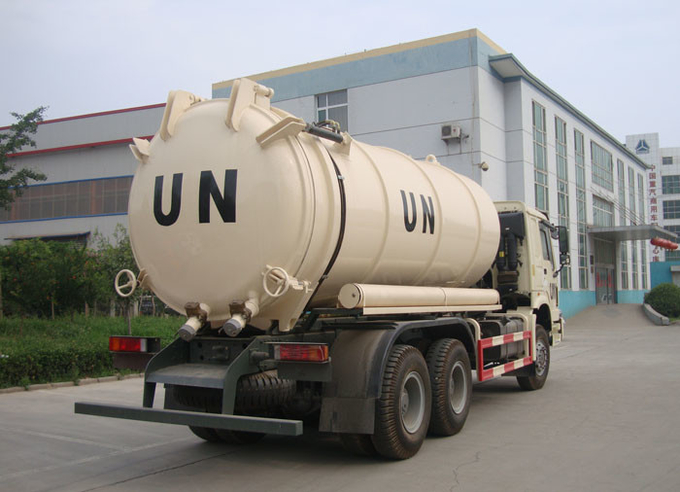 Collecting Sewage Sludge Vacuum Pump Septic Tank Cleaning Truck LHD 6X4