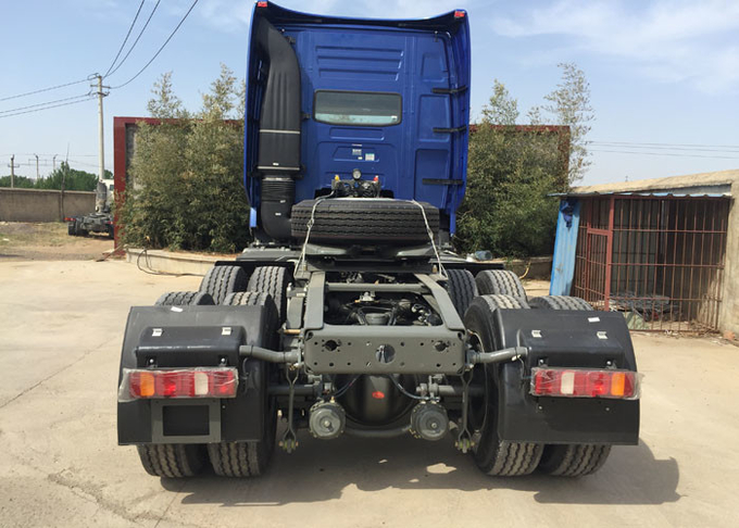 SINOTRUK HOWO Semi Trailer Tractor Truck Head With Air Conditioner 60-70 Tons